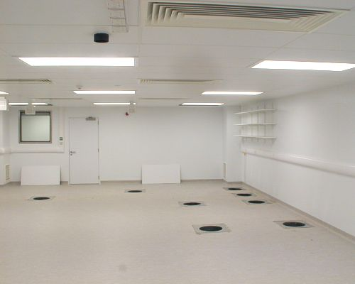A ISO Class 7 clean room for the 350 TW laser system.